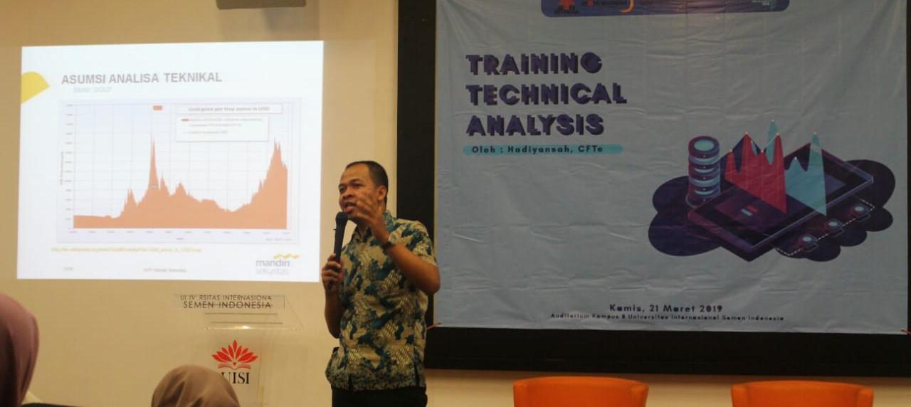 Pemaparan materi oleh bapak Hadiyansah, CFTe. selaku Analis Teknikal Mandiri Sekuritas