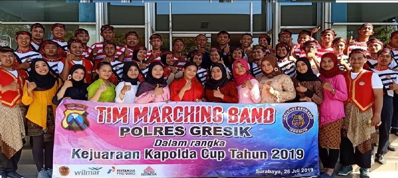 Membanggakan, mahasiswa UISI bersama tim SGDC pada Drum Band dan Marching Band KALPOLDA Jatim 2019