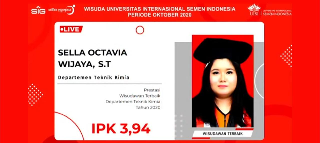 Pengumuman Sella Octavia Wijaya lulus sebagai wisudawan terbaik saat prosesi wisuda berlangsung