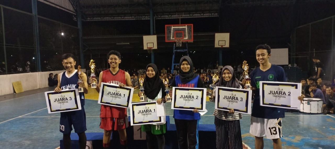 Ekspresi bahagia Pemenang Tim Basket Putra dan Putri
