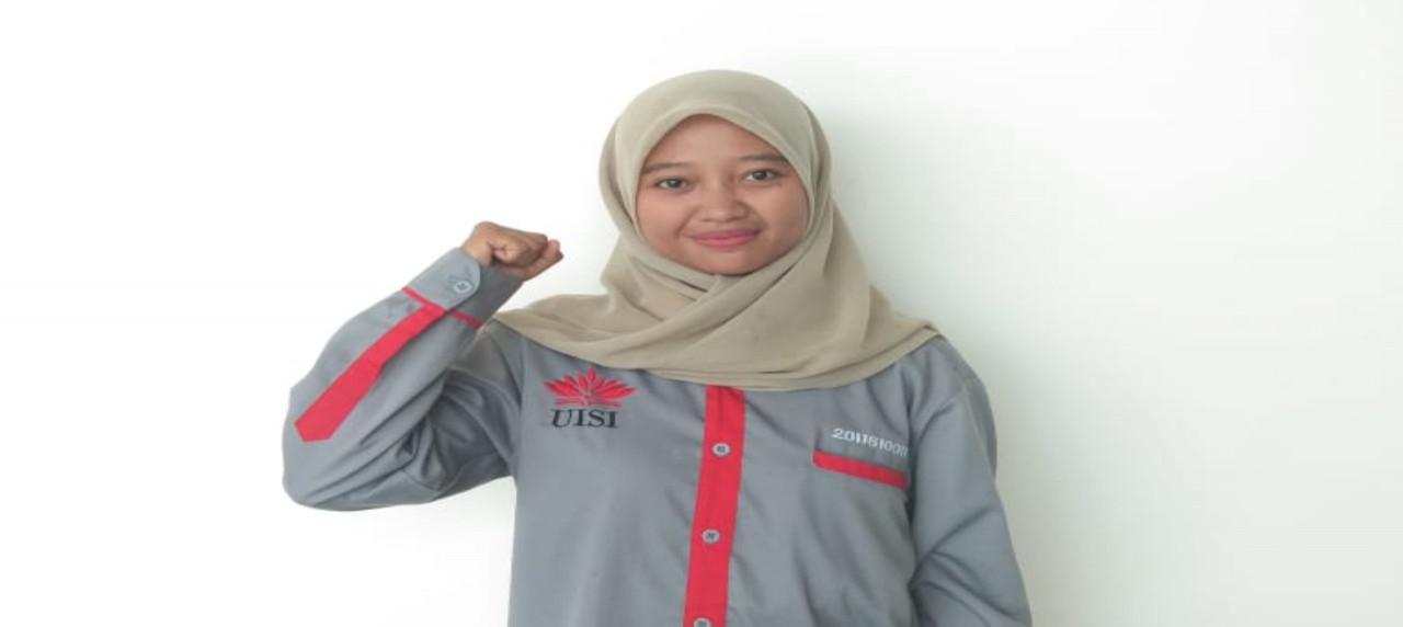 Potret Denny Rahmawati, Mahasiswa Departemen Manajemen Rekayasa angkatan 2016
