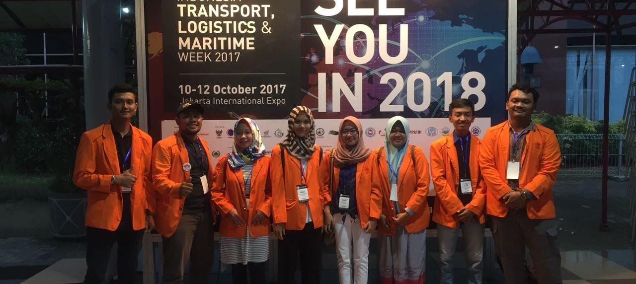 Mahasiswa Teknik Logistik UISI mengikuti pameran dan konferensi ITLMW 2017