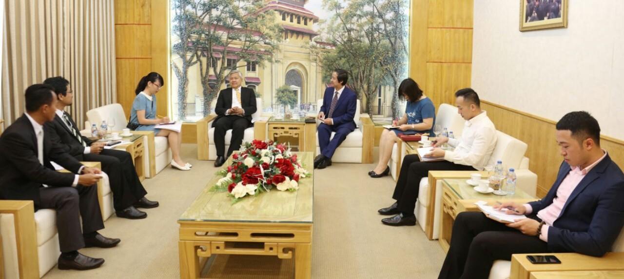 Pembahasan rencana kerja sama pihak UISI dengan Vietnam National University