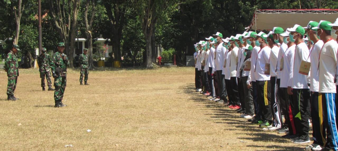 Pembekalan Materi Bela Negara oleh KODIM 0817 pada IO-CHAMPS 2017 Hari Kedua
