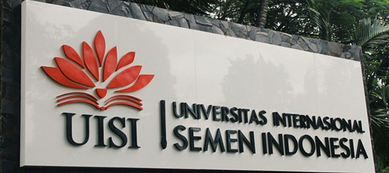 Kampus A Universitas Internasional Semen Indonesia (UISI)
