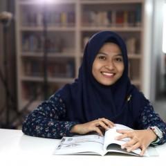 Bayanunnisa, Mahasiswa Manajemen Rekayasa UISI angkatan 2013