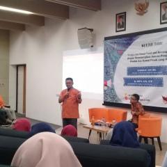 H. Saiful Azis,STP., menyampaikan materi seputar seafood base dengan topik produk rajungan