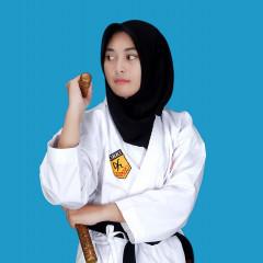 Sosok Naimah yang memenangkan kejuaraan nasional karate