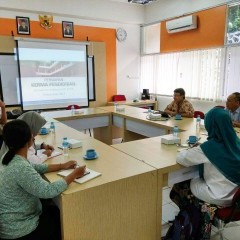 Proses diskusi membahas kerja sama antara UISI dan ITB
