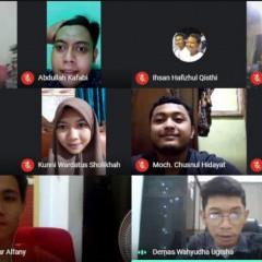 Senyum bahagia para peserta saat mengikuti webinar