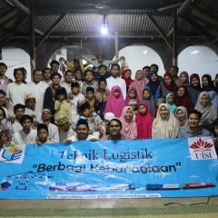 Kebersamaan Mahasiswa Teknik Logistik dan Manajemen Rekayasa bersama Anggota Panti Asuhan Nurul Ulum