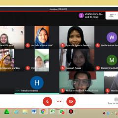 Kegiatan webinar kepenulisan berlangsung secara daring melalui Google Hangout Meet