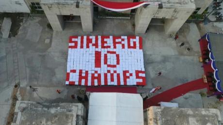Desain paper mob mahasiswa baru UISI bertemakan Merah Putih