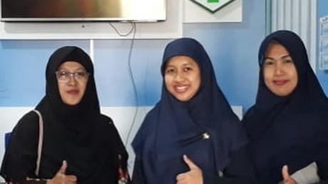 Tiga dosen UISI dan dua staf tenaga medik di Puskesmas Lawang