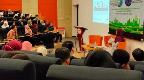 Suasana Seminar saat penyampaian materi