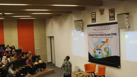 Suasana Pelatihan Pasar Modal Syariah di Auditorium Kampu B UISI