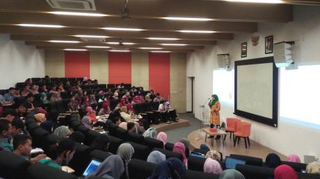 Antusiasme peserta Workshop Jurnal Internasional bersama Dr. Eng. Siti Machmudah, ST.,M.Eng.,