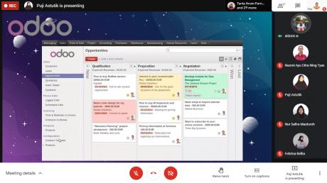 Screenshoot contoh penggunaan aplikasi berkonsep ERP pada Webinar Series ERP