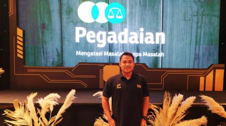 Sosok Mahardika Reza Adamy saat magang di PT Pegadaian cabang Surabaya