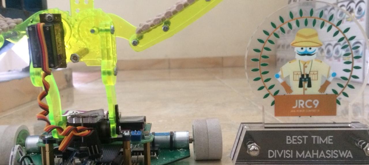 Hasil karya berupa robot yang dirakit oleh mahasiswa UISI meraih kategori Best Time